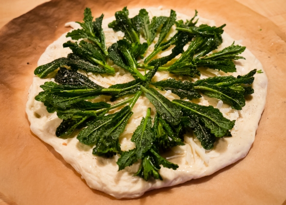Pizza kale raw